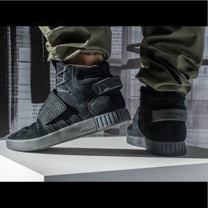 Men's 11 Adidas Tubular Invader Strap Triple Black